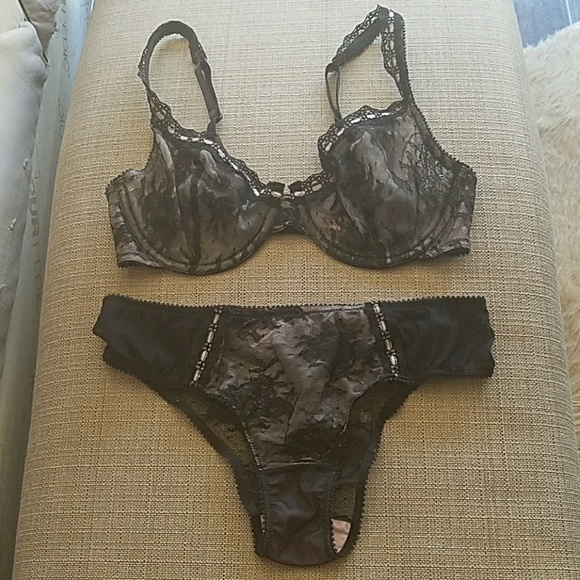 798d638ba3 Jezebel Other - LAST CHANCE Jezebel Black Lace Bra   Panty Set